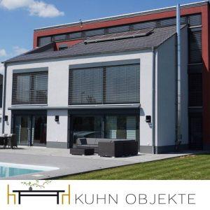 Moderne Villa am Rande der Weinberge mit Pool, Sauna und Heimkino